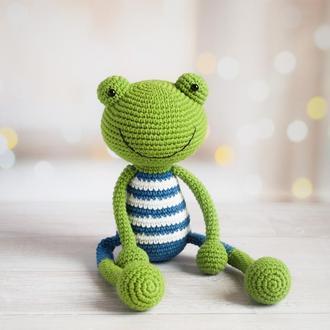 Вязаная лягушка первая игрушка малыша.Эко-игрушка.Игрушка для сна и игры.Интерьерная игрушка.