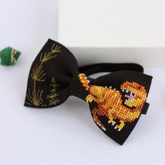 Краватка-метелик з вишитим динозавром Тірекс