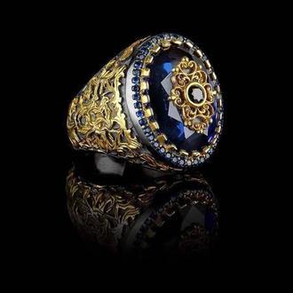 Мужское колечко из серебра в позолоте с синим камнем и гравировкой