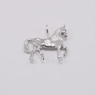 Кулон лошадка