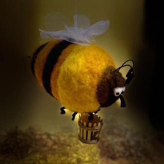 Жадная Пчела
