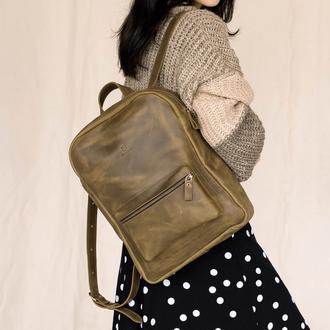 Женский городской рюкзак  из натуральной винтажной кожи фисташкового цвета