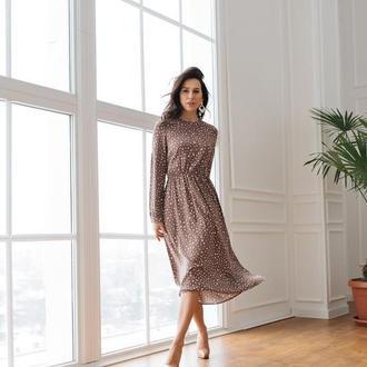 Красивое платье миди цвета какао в белые пятнышкики