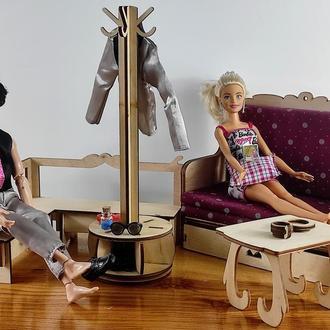 Вешалка для одежды кукол. Мебель для кукольного домика