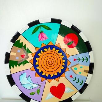 Тарелка декоративная с яркой ручной росписью