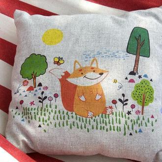 Декоративна подушка із конопляної тканини Лис-Мрійник.