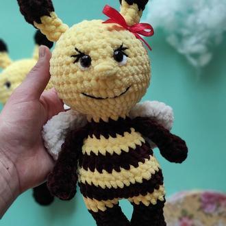 Плюшевая пчелка.  Мягкая игрушка для ребенка. Вязаные игрушки крючком