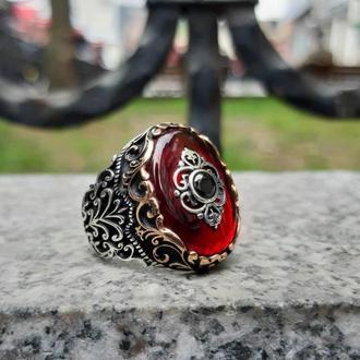 Эффектный перстень из серебра Антураж ручной работы с камнем Оникс, перламутр, агат