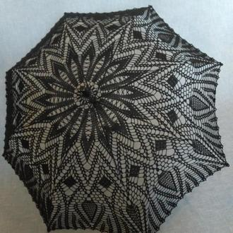 Чёрный кружевной зонтик