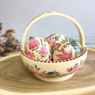 Пасхальная корзинка с деревянными яйцами. Пасхальный декор.