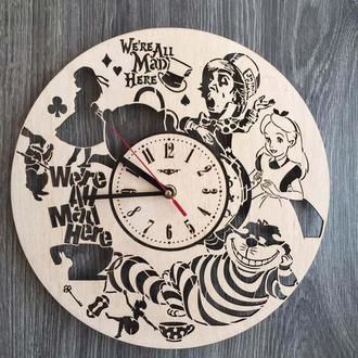 Дизайнерские настенные часы «Алиса в Стране чудес»