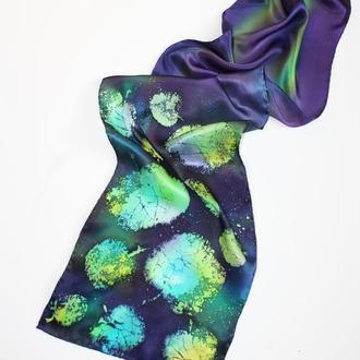 Фиолетовый шарф ручной росписи, батик шарф с зелеными яблоками, атласный длинный шарф