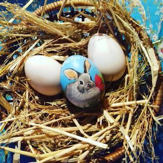 Деревянное расписное яйцо