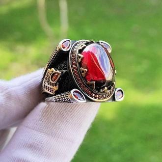 Шикарный перстень Черненное серебро с красным камнем любого размера с уникальным стилем