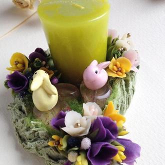 Пасхальный декор  со свечой и зайчиками