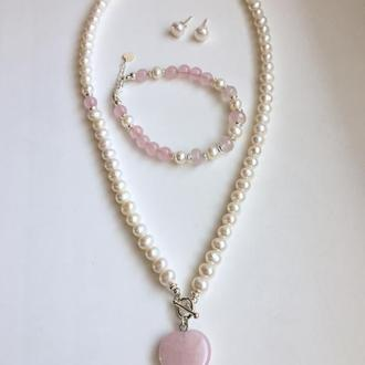 """Серебряный набор колье, браслет и серьги из жемчуга и розового кварца """"Розовый туман"""""""
