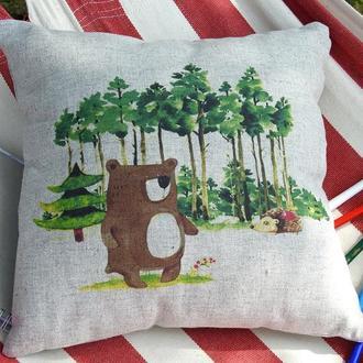 Декоративна подушка із конопляної тканини Ведмідь у липневому лісі