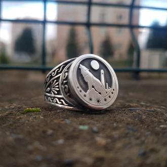 Чеченское кольцо Ламро Вайнахское из серебра с изображение волка и луны / Арабская вязь