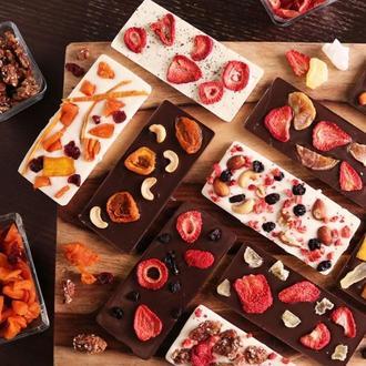 Плитка натурального бельгийского шоколада с натуральными наполнителями