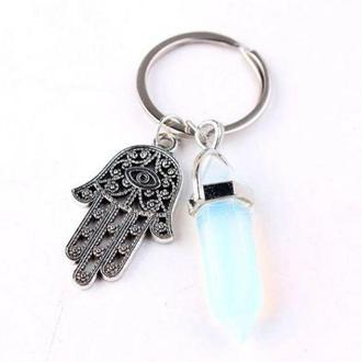 Брелок для ключей защитный с рукой Фатимы и камнем опал
