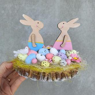 Пасхальна композиція з зайчиками
