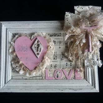 Оригинальный коллаж с розовым сердцем в стиле шебби шик