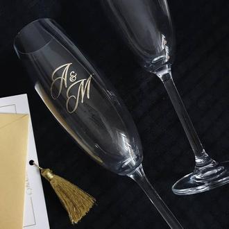 Свадебные бокалы с инициалами молодоженов