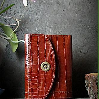 Женский кошелек из натуральной кожи ручной работы.