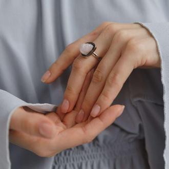 Кольцо Особенное с кварцем и черной патиной