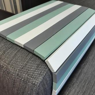 Деревянная накладка-столик на подлокотник дивана (бел/сер/зел) #2i2ua