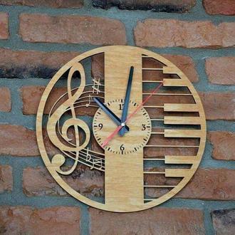 """Настенные часы  """"Скрипичный ключ """" 35х35 см"""