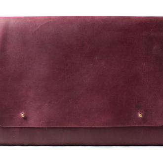 Кожаный чехол для Macbook на кобурных застежках. 03018/бордо