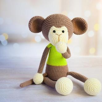 Вязаная обезьянка. Первая игрушка. Эко-игрушка. Подарок новорождённому.