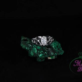 Серебряное кольцо Трикветр