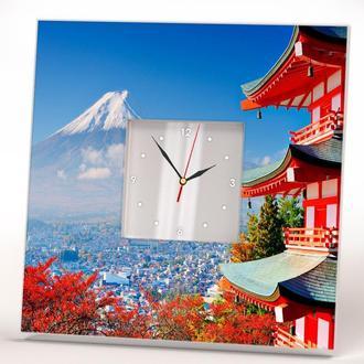 """Стильные часы с японским домиком и прекрасным видом """"Гора Фудзи. Вулка Фудзияма"""""""