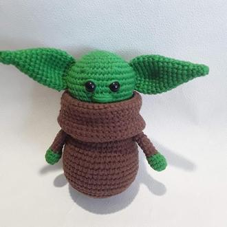 Вязаная игрушка малыш Йода