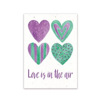 Листівка «Love is in the air»