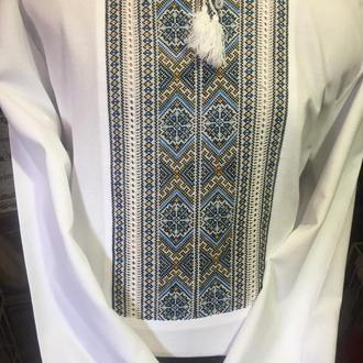 Стильна чоловіча сорочка на сірому льоні ручної роботи. ТМ SavchukVyshyvka