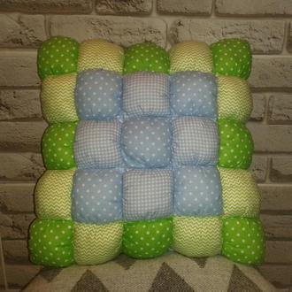 Подушка для малыша в стиле печворк Голубая