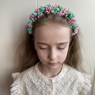Обруч с ровевими и мятними цветами