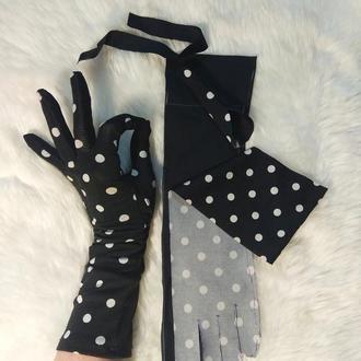 Перчатки.Перчатки черные в горошек.