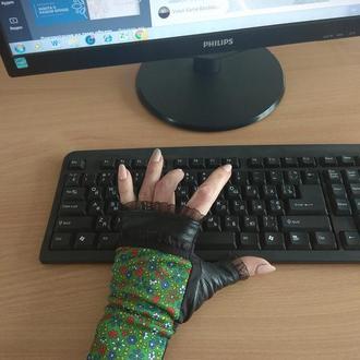 Митенки.Перчатки без пальцев.Автомобильные.Женские перчатки без пальцев кожанныее перчатки