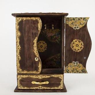 Декоративная деревянная настенная ключница