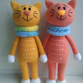 Котик игрушка вязаный хлопковый