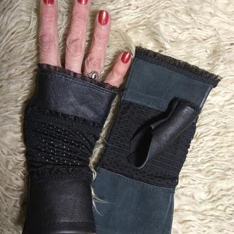 Кожанные перчатки без пальцев. Митенки кожанные  Перчатки для спорта