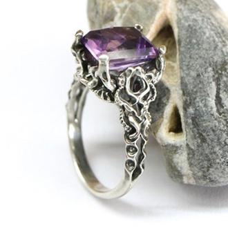 Лепное серебряное кольцо с натуральным камнем на заказ