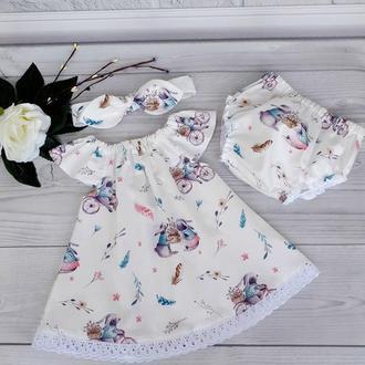 """Летний комплект: платье,повязка и трусики для девочки """"Кролики на велосипедах"""""""