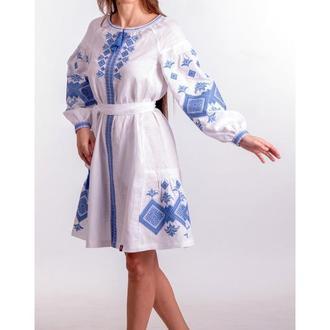 Вишита ніжна лляна жіноча сукня (5029)