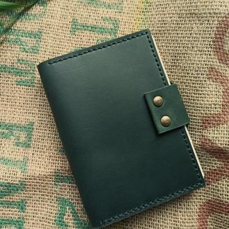 Кожаный блокнот А5 со сменными листами на кольцевом механизме / Зеленый