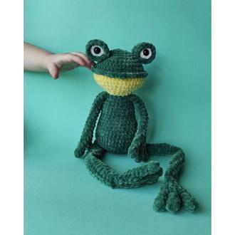 Плюшевая лягушка. Вязаная жаба